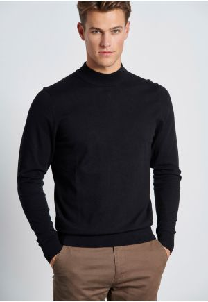 Fine-Knit Turtle Neck Pullover