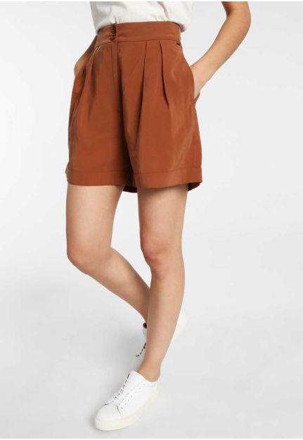 High rise pleated shorts